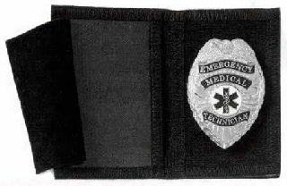 Nylon flip out badge case-