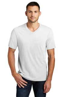 District Very Important Tee V-Neck.-