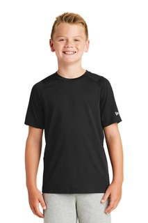 New Era Youth Series Performance Crew Tee.-
