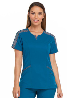 DK665 Shaped V-Neck Top-