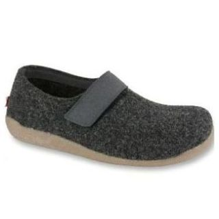 VARDE Unisex Slippers-Sanita