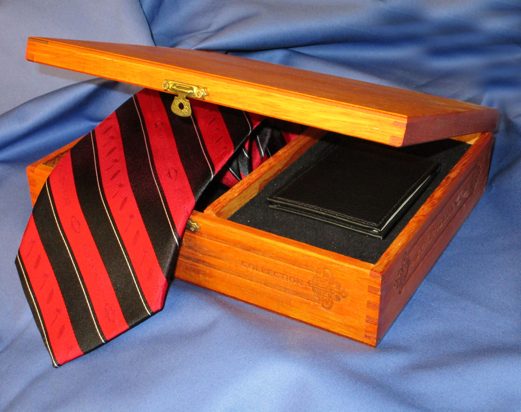 Gift Set Box  - Custom Wood Cigar Box