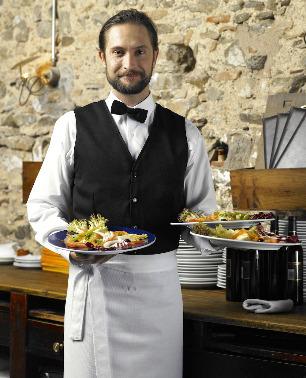 3 Things Your Restaurant's Uniforms Are Telling Customers