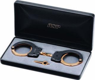 Presentation Chain (18K Gold) Handcuff-