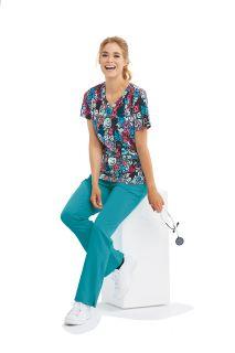 3 pocket shirt with a Printed V-Neck-Skechers